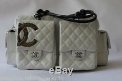 09b4a26fc8b5 Chanel Superbe Sac Cambon Reporter Cuir Agneau Matelasse Blanc Bijouterie  Argent