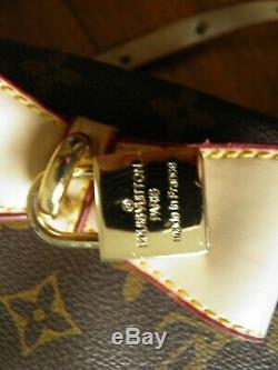 LOUIS VUITTON Sac à main brun lettrage imprimé style décontracté Dames