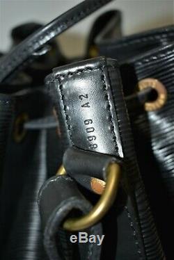 Louis Vuitton, Sac NOE PM en cuir épi noir