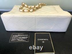 Sac A Main Chanel Blanc 30cm, Chaine Et Fermoire Or, Jamais Porte, Etat Neuf, Carte
