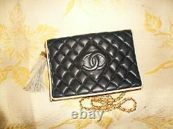 Sac A Main Vintage Chanel Cuir Matelasse Bleu Marine Liseret Blanc