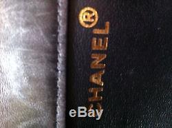 Sac Chanel matelassé en cuir noir double rabat