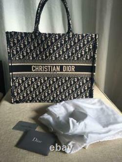 Sac à Main Christian Dior Book Tote en Toile Oblique Brodée