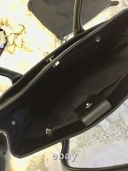 Sac à main CHANEL quasi neuf / Authentic Chanel handbag like-new