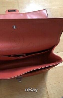 Sac à main Chanel 2.55 en cuir vernis matelassé rouge