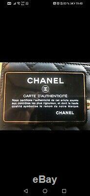 Sac à main Chanel petit Boy matelassé noir