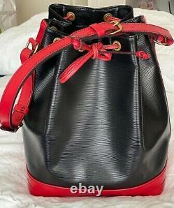 Sac à main GM Noé épi bicolore noir et rouge Louis Vuitton