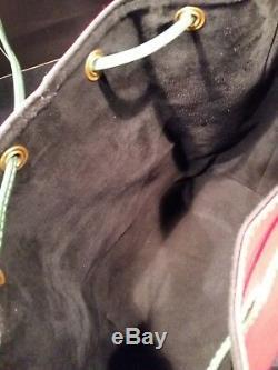 Sac à main Louis Vuitton modèle Grand Noé épi tricolore rouge, bleu et vert