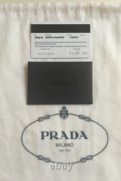 Sac à main PRADA en cuir, modèle (NAPPA GAUFRE) / PRADA Bag (NAPPA GAUFRE)