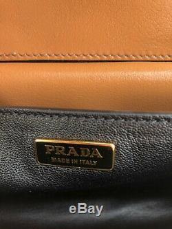Sac à main Prada Cahier en cuir brodé