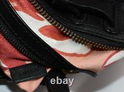 Sac à main cabas KENZO en cuir noir porté main et bandoulière