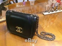 Sac a main cuir Chanel Très Rare