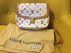 Sac à main en bandoulière, fond blanc logos louis Vuitton 25 cm