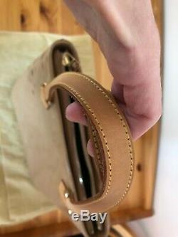 Sac à main en cuir verni Louis Vuitton beige camel Houston porté main ou epaule