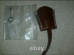 Sac a main lancel cuir marron cadenas et 2 clés. 4 pieds metal. Qualité +