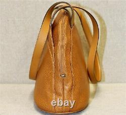 Sac à main porté épaule CHRISTIAN DIOR vintage cuir grainé fauve made in FRANCE