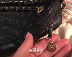 Sac cabas Chanel cuir et leather handbag tote bag Matelassé vintage