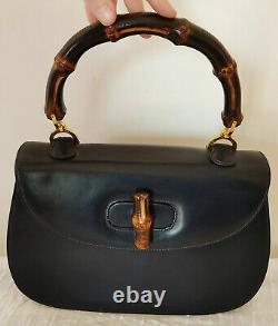 T. Beau sac à main GUCCI Bamboo pour G. DEBY cuir bleu