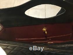 Véritable Sac à main Chanel cuir matelassé noir avec bandoulière